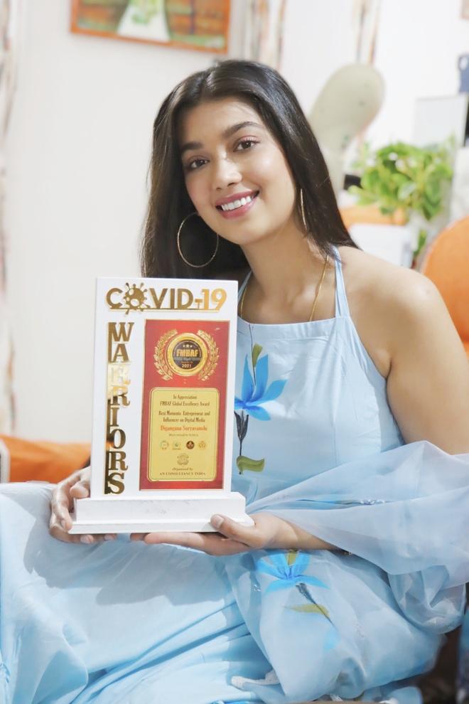 Digangana Suryavanshi bags Best Digital Media Influencer award