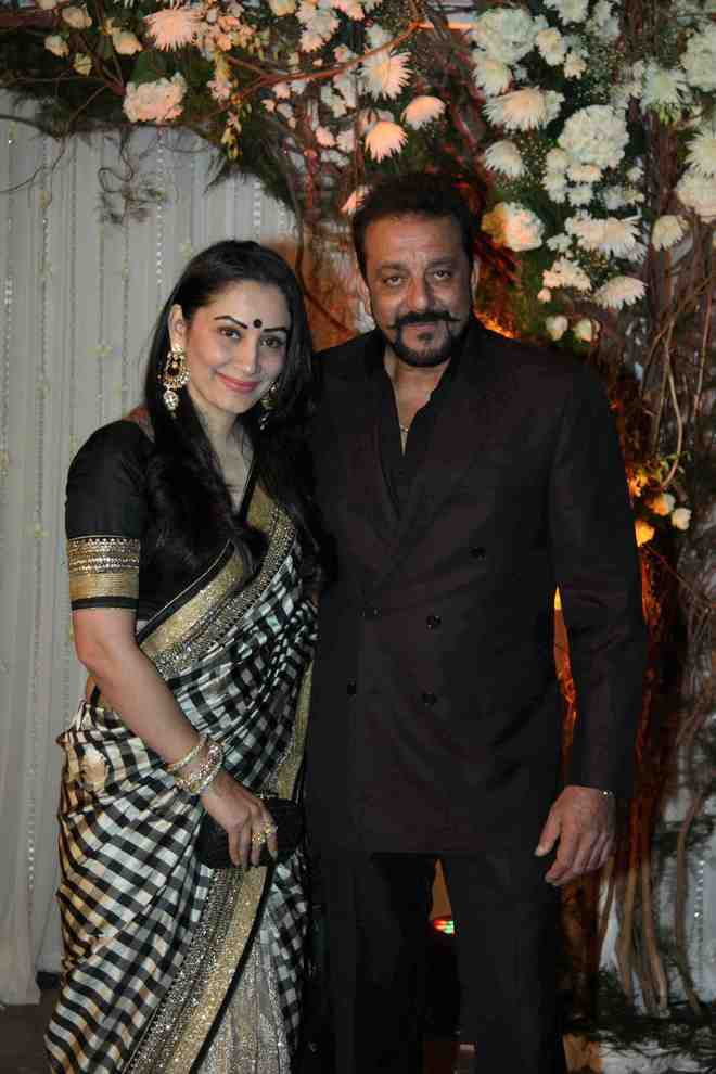 Sanjay Dutt pens adorable wedding anniversary note to wife Maanayata: Love you even more now